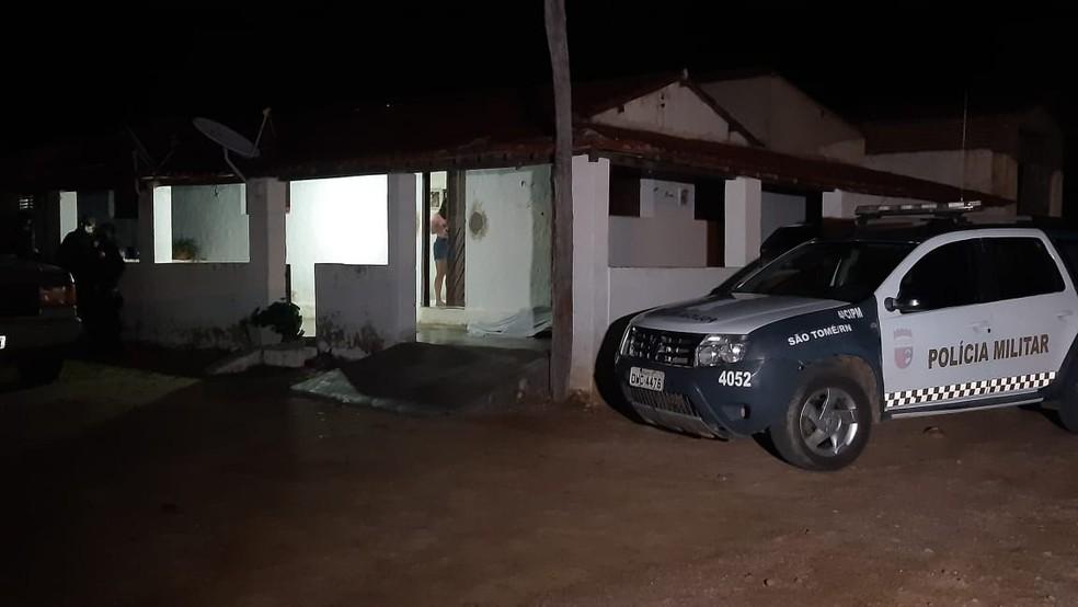 Crime aconteceu na noite desta quarta (14) em São Tomé — Foto: Sérgio Henrique Santos/Inter TV Cabugi