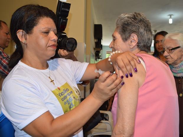 Vacinação contra gripe para idosos é suspensa em Campina Grande