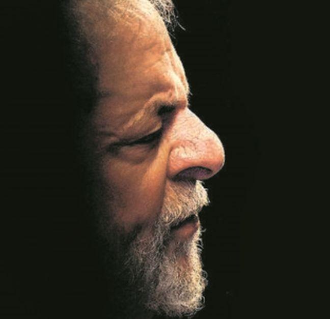 Lula (Foto: Fotomontagem sobre foto de Ueslei Marcelino / Reuters)