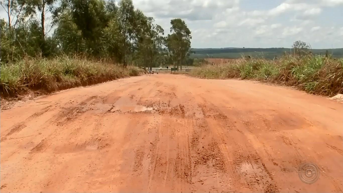Motoristas acessam trecho de rodovia na contramão para evitar pedágio em Marília  - Radio Evangelho Gospel