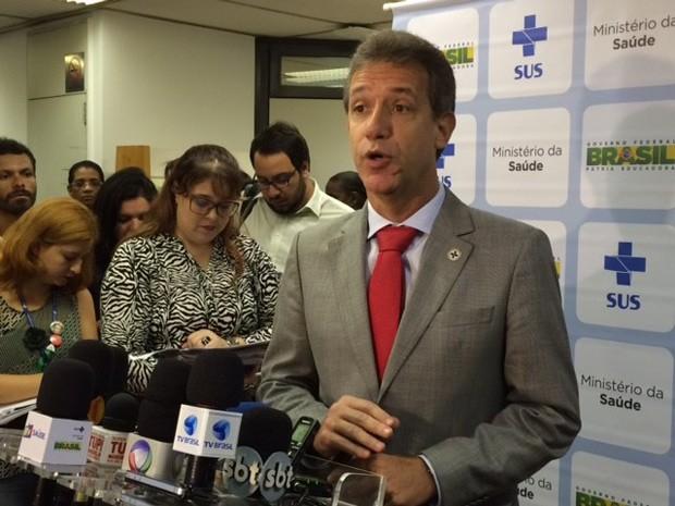 Ministro da saúde, Arthur Chioro, durante divulgação dos dados da Pesquisa Nacional de Saúde, do IBGE, nesta sexta-feira (21) (Foto: Matheus Rodrigues/G1)