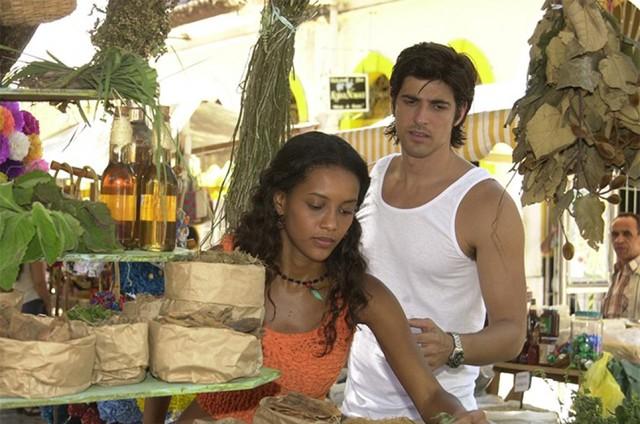 Taís Araujo e Reynaldo Gianecchini em 'Da cor do pecado' (Foto: Globo)