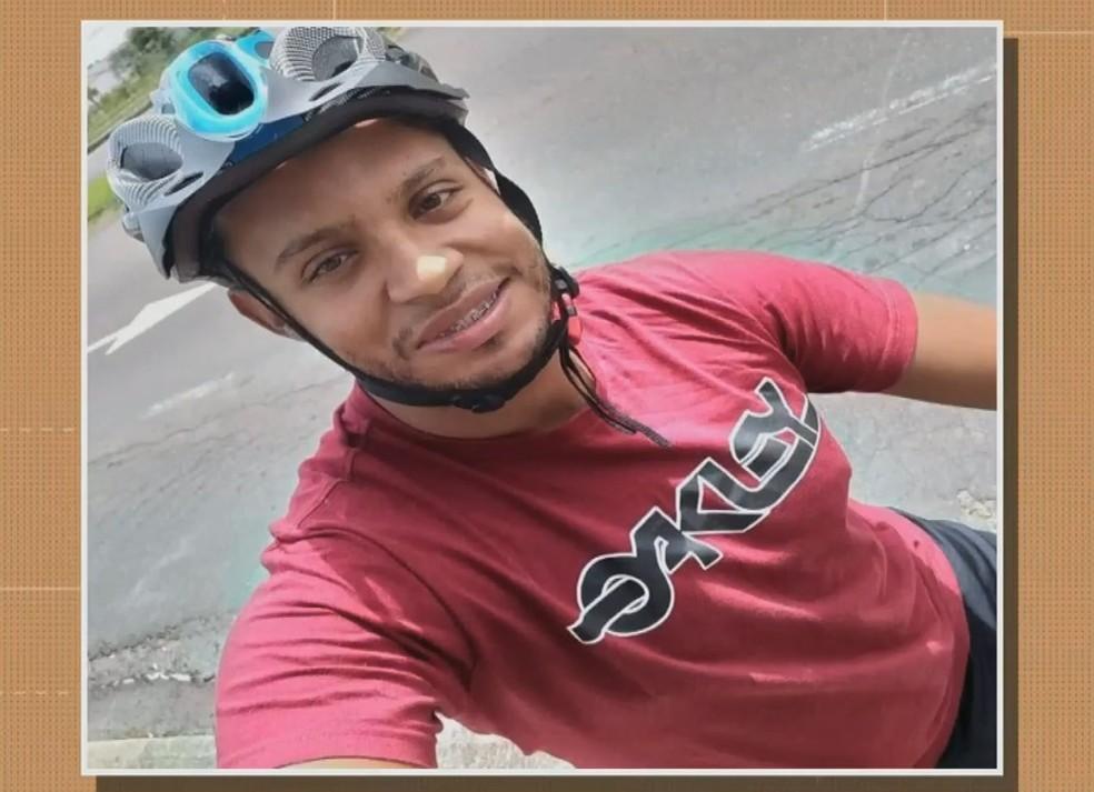 Corpo do professor Vinícius Ferreira da Silva Gatelli, de 25 anos, foi encontrado no dia 3 de maio com marcas de tiro — Foto: RBS TV/Reprodução