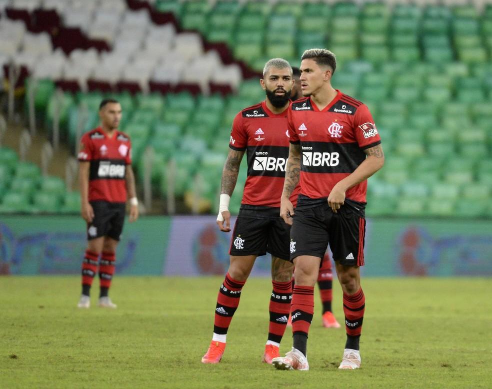 Nova patrocinadora irá estampar marca no calção do uniforme do Flamengo — Foto: André Durão