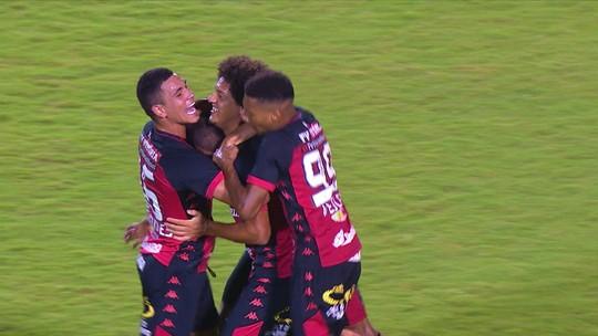 Atuações do Vitória: em dia de atacantes em baixa, Gedoz sai do banco para marcar golaço