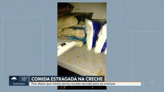 Mãe de alunos e funcionários dizem que creche em São Gonçalo oferecia comida vencida para crianças; veja o vídeo