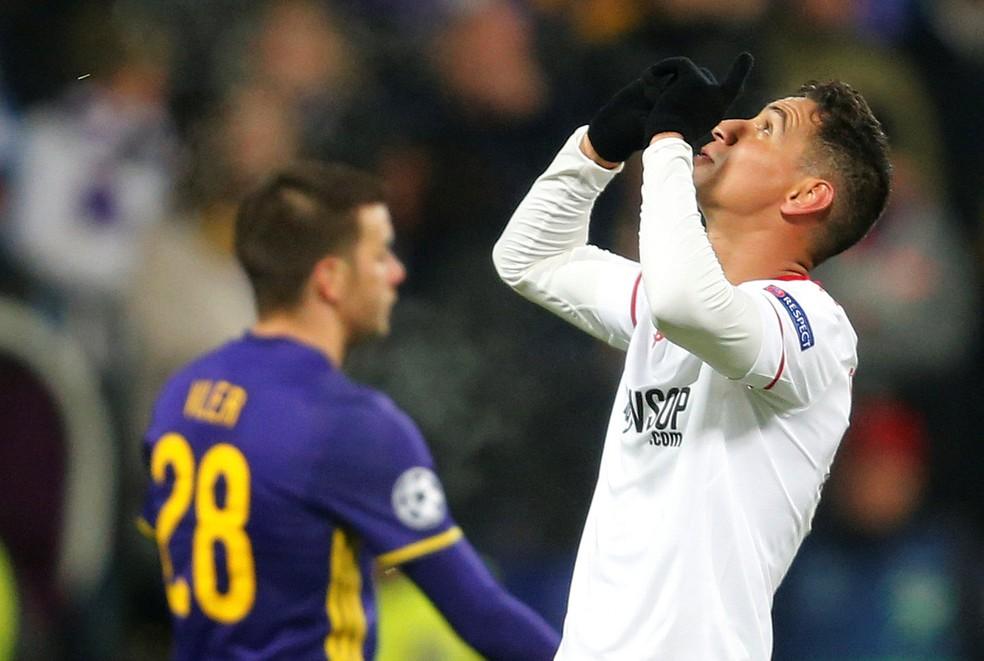 Ganso festeja gol marcado pelo Sevilla (Foto: Reuters)