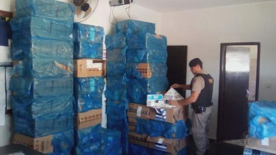Polícia Militar apreende 75 caixas de cigarros contrabandeados em Alpinópolis, MG