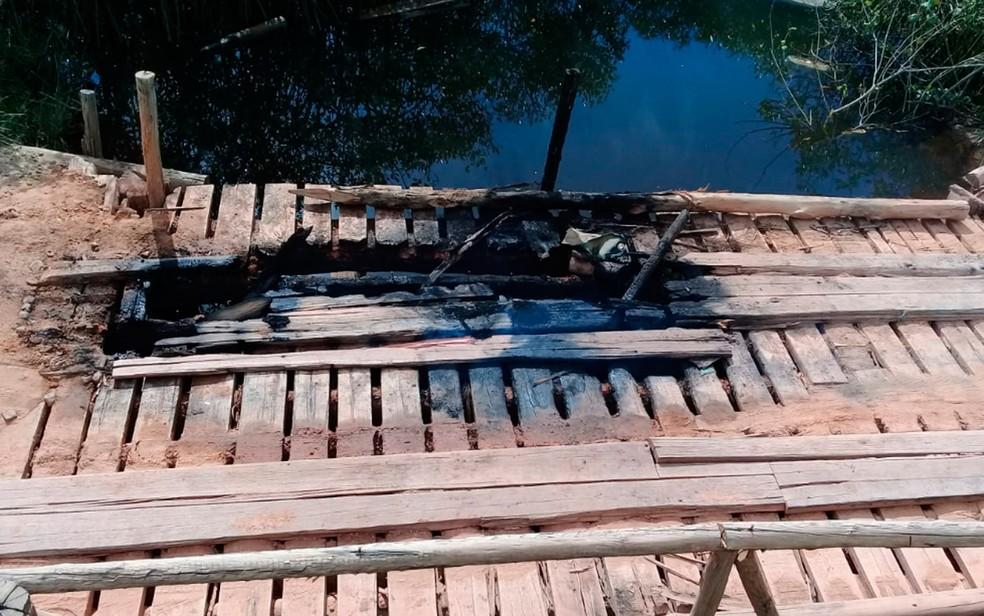 Ponte dá acesso ao distrito de Cumuruxatiba, que fica em Prado — Foto: Geovânia Moreira Lima/Arquivo pessoal