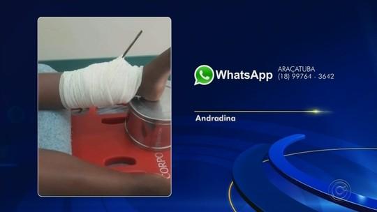 Menino tem perna perfurada por ferro após cair em buraco de obra durante campeonato de pipas