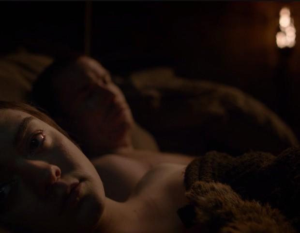 Não estávamos prontos para ver uma cena de amor de Arya em Game of Thrones (Foto: reprodução)