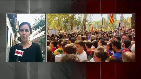 Manifestantes vão às ruas pedir a libertação de líderes da Catalunha