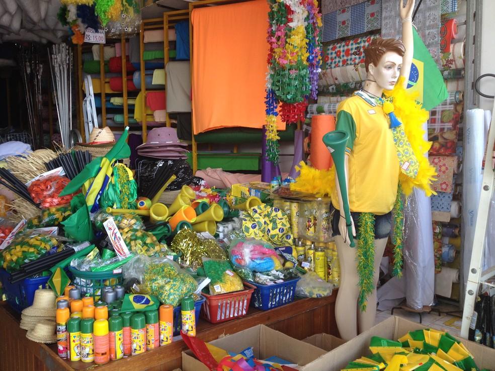 -  Lojas do Centro Comercial oferecem produtos para decoração  Foto: Dyepeson Martins/Arquivo G1