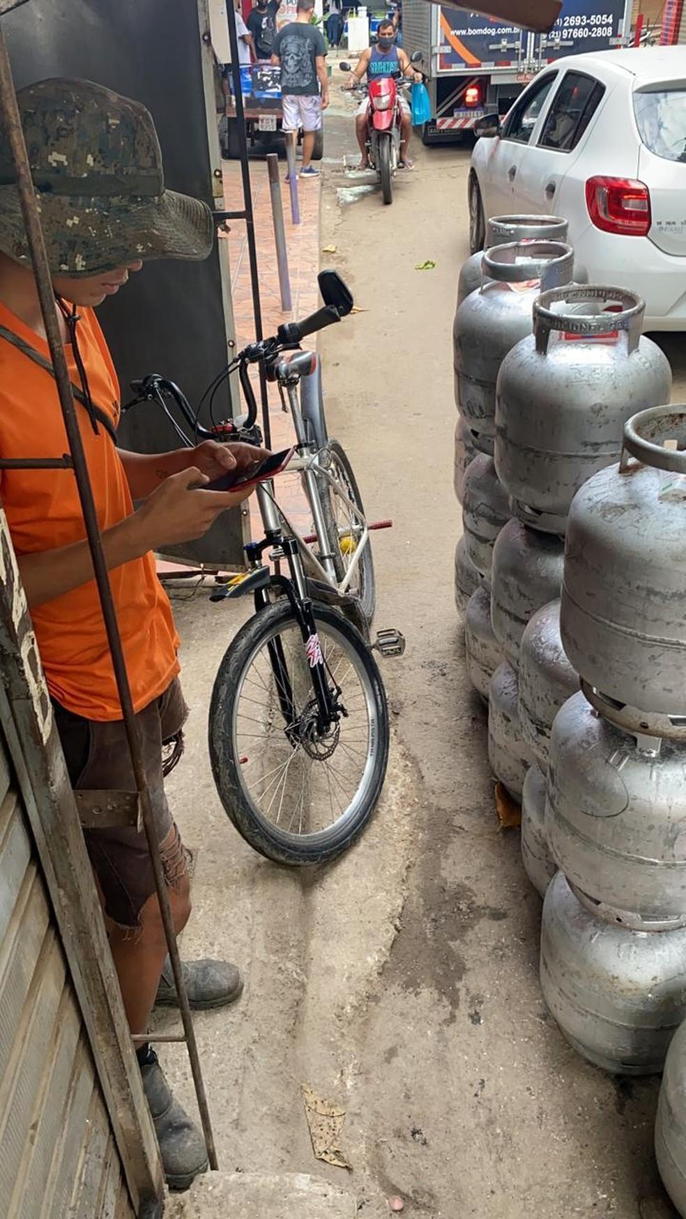 Botijões de gás foram apreendidos em operação contra milícia na Zona Oeste do RJ — Foto: Divulgação