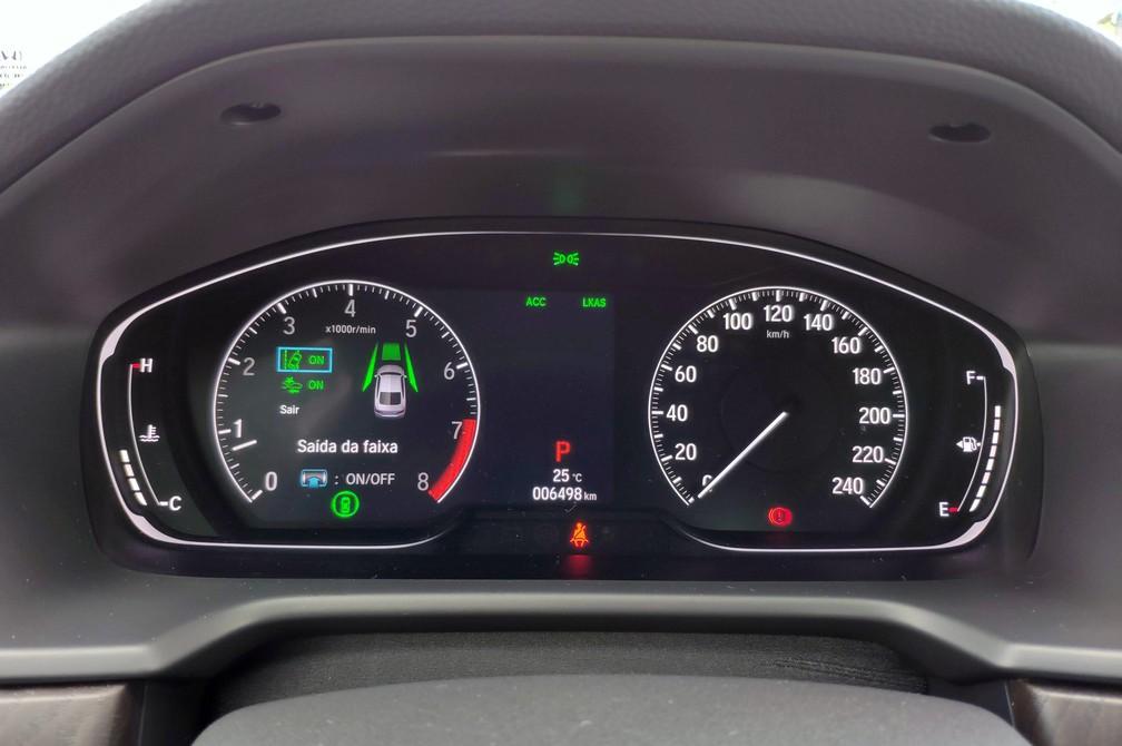 Quadro de instrumentos digital do Honda Accord 2019 — Foto: André Paixão/G1
