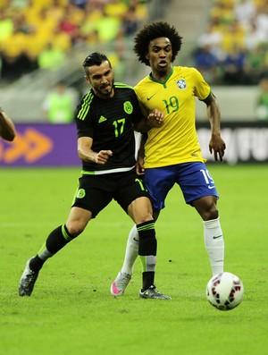 Willian, Brasil x México (Foto: Marcos Ribolli)