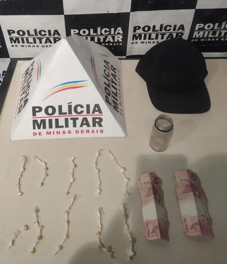 Homem é detido com mais de 40 pedras de crack em Divinópolis