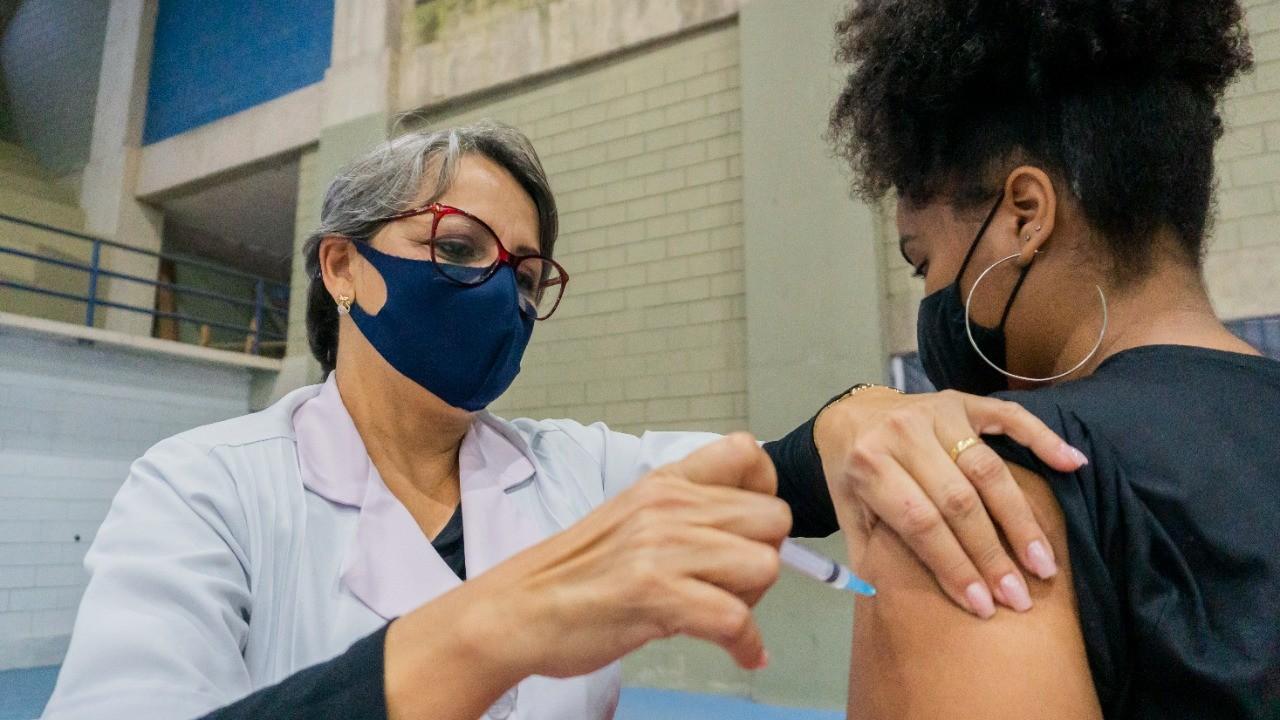 Bertioga realiza Corujão da Vacinação contra a Covid-19 nesta terça e quarta-feira