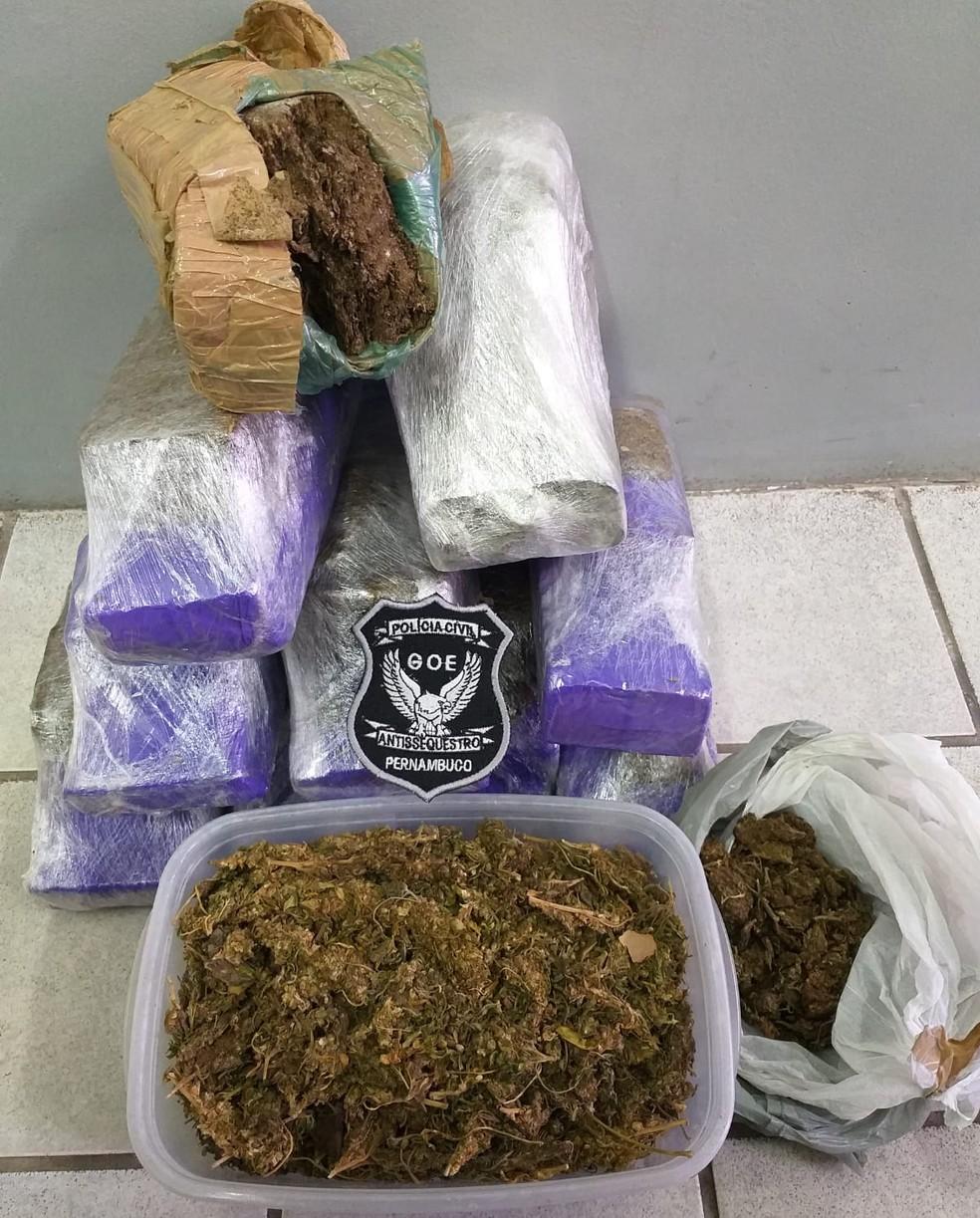 Quase nove quilos de maconha foram apreendidos durante a Operação Áquila, deflagrada nesta quinta-feira (14) — Foto: Polícia Civil/Divulgação