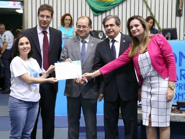 Documento foi apresentado nesta quarta-feira na Assembleia Legislativa do Ceará (Foto: Máximo Moura/AL)