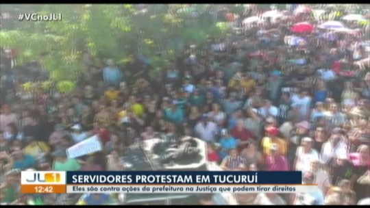 Servidores municipais protestam contra cortes na remuneração em Tucuruí, no Pará