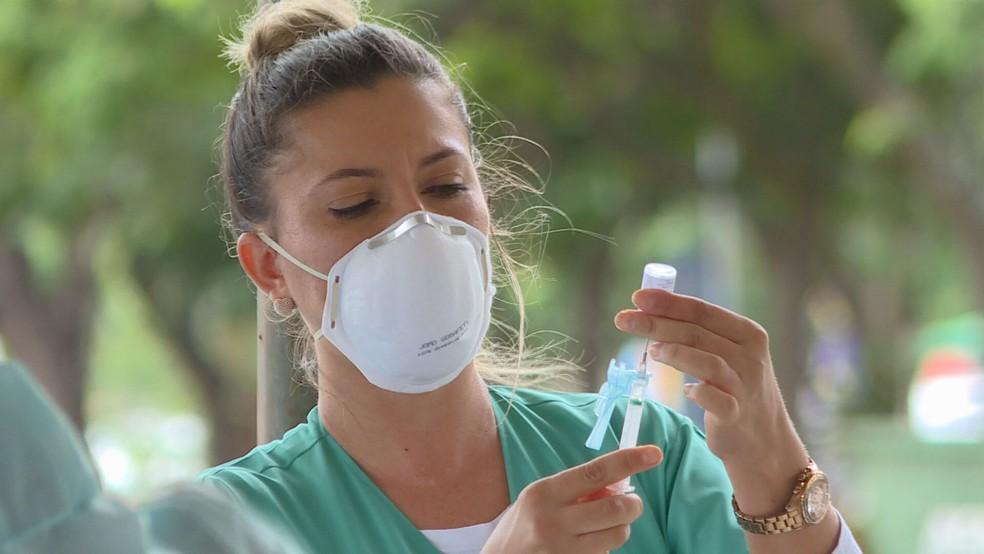 Vacinação contra a Covid-19 no DF — Foto: TV Globo / Reprodução