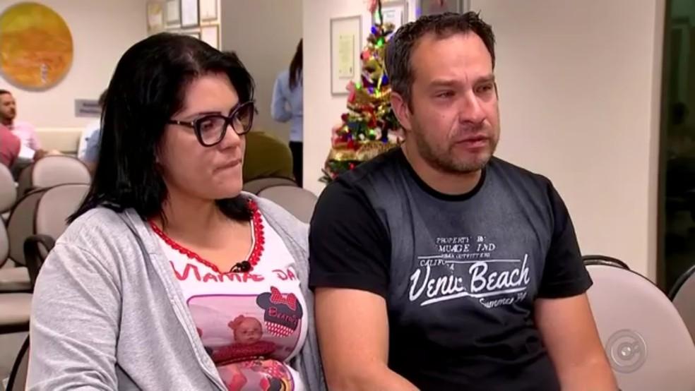 Pais de Beatriz Migliari estavam em busca de doadores de medula em Rio Preto (Foto: TV TEM/Reprodução)
