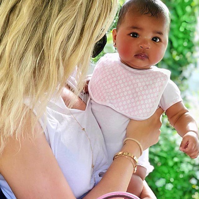 Foto de Khloe Kardashian com a filha True (Foto: Reprodução instagram)