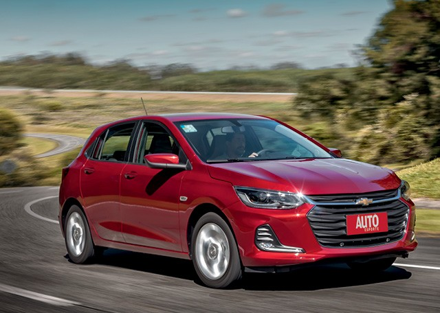 Chevrolet Onix Premier: Visual frontal é o  mesmo do sedã Onix Plus (Foto: Leo Sposito)