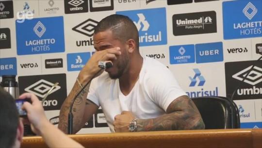 """Jael se emociona e chora em despedida do Grêmio: """"Cheguei sem ser respeitado"""""""