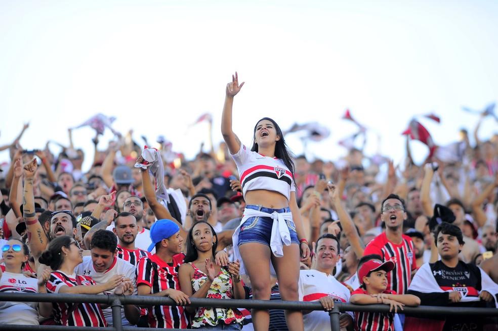 Torcida do São Paulo terá ingressos mais baratos no Morumbi (Foto: Marcos Ribolli)