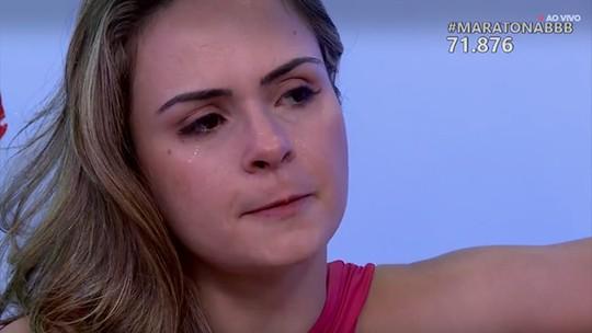 Maratona BBB: Ana Paula chora ao ver imagens do confinamento