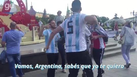 """Sempre eles! Argentinos """"copam"""" Moscou e emplacam música-chiclete da Copa"""