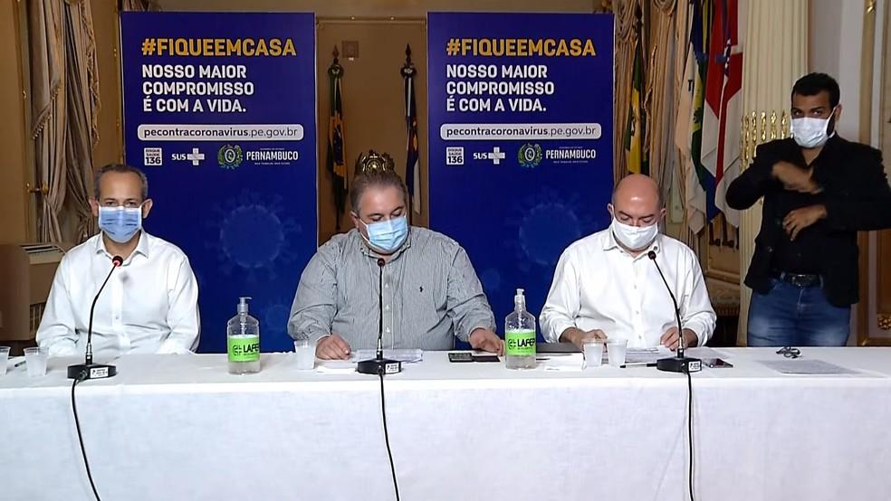 Retomada de esportes individuais foi anunciada em coletiva de imprensa — Foto: Reprodução/Governo de Pernambuco