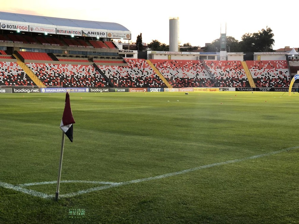Estádio Santa Cruz, palco da partida — Foto: Nadja Mauad