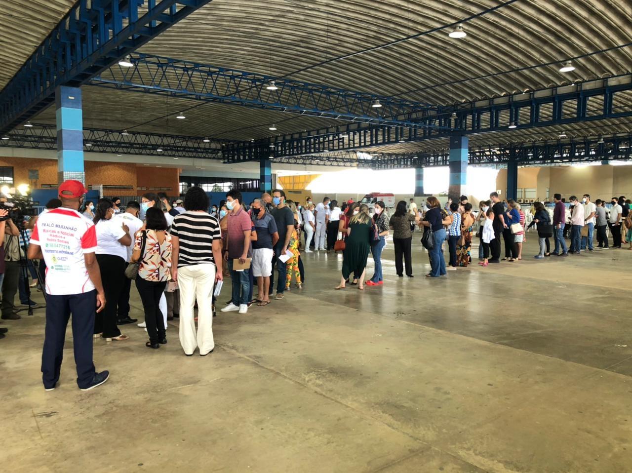 Com filas, São Luís inaugura Centro de Vacinação contra a Covid-19