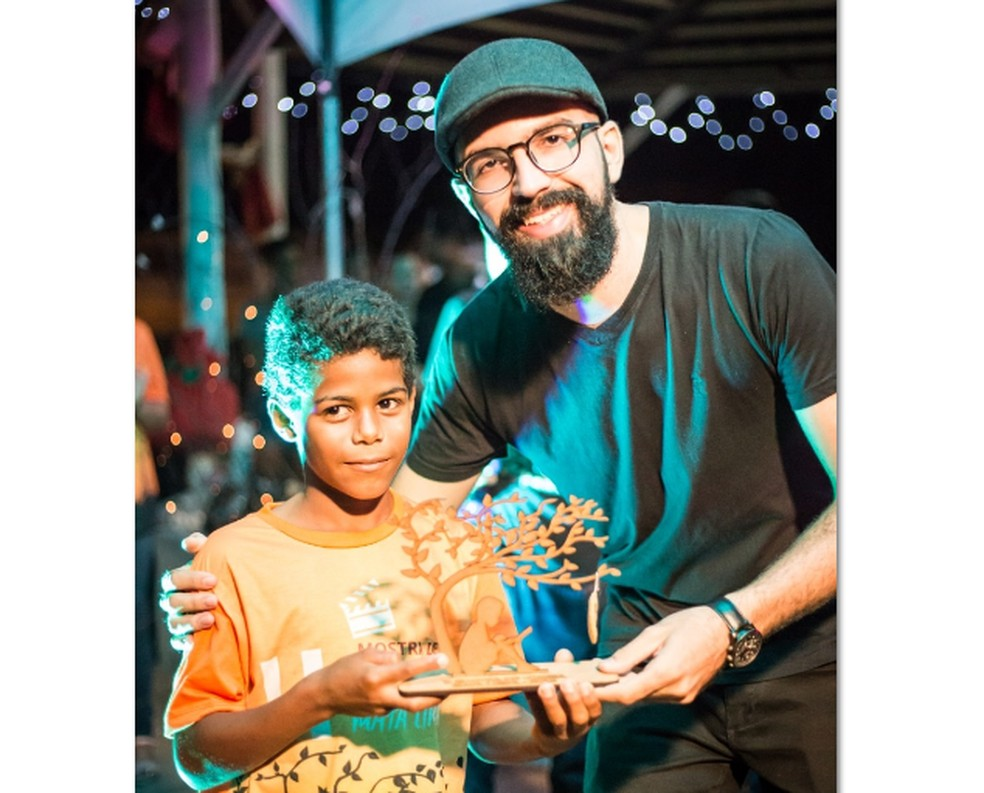 Natan Silva, de 8 anos, ganhou como melhor ator no curta-metragem Jaca, exibido na II Mostra de Cinema de Mata Limpa — Foto: Thiago Rodrigues/Arquivo Pessoal