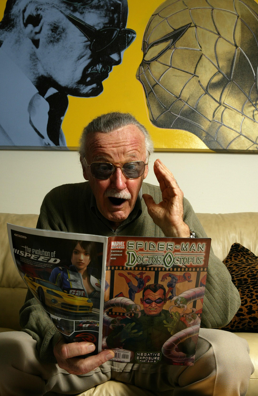 Ao lado de outras lendas da Marvel, Lee criou títulos como Homem-Aranha, Thor, Homem de Ferro, X-Men, Demolidor, Pantera Negra, Os Vingadores e Quarteto Fantástico, entre outros (Foto: Getty Images / Vince Bucci)