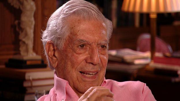 Mario Vargas Llosa escreve diariamente, mas aqueles que têm trabalhos mais braçais também podem ter esta longevidade no trabalho? (Foto: via BBC News )