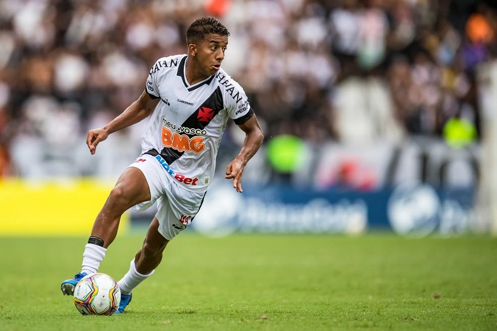 Com só 18 anos, Vinícius foi o melhor em campo no Nilton Santos — Foto: Jorge R Jorge/BP Filmes