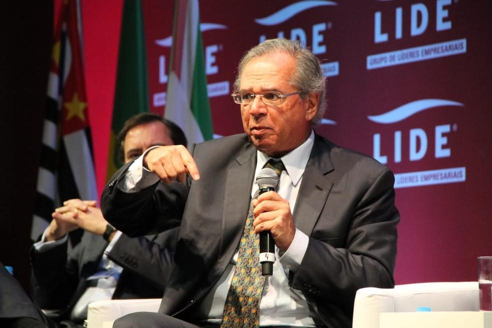 Paulo Guedes fala em evento em Campos do Jordão — Foto: Fábio França/G1