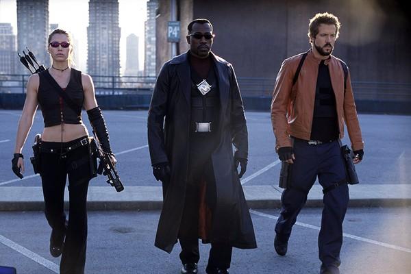 Wesley Snipes, Jessica Biel e Ryan Reynolds em Blade: Trinity (2004) (Foto: Divulgação)