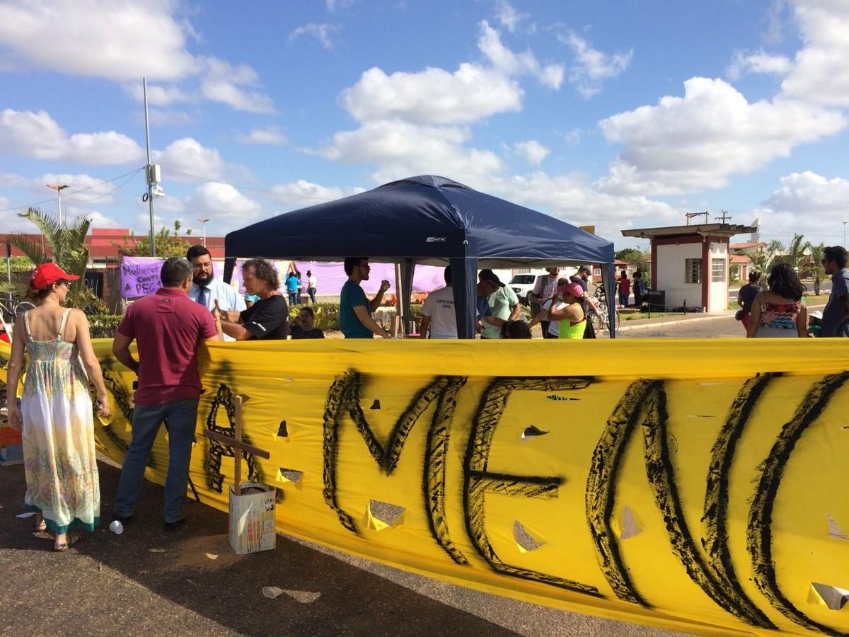 Servidores da UFRR fecham entradas de campus de Boa Vista em protesto contra reforma da previdência