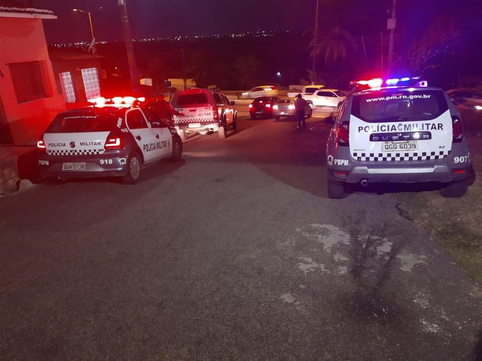 Tiroteio assustou motoristas que passavam pelo local e fugiram pela contramão — Foto: Lucas Cortez/Inter TV Cabugi