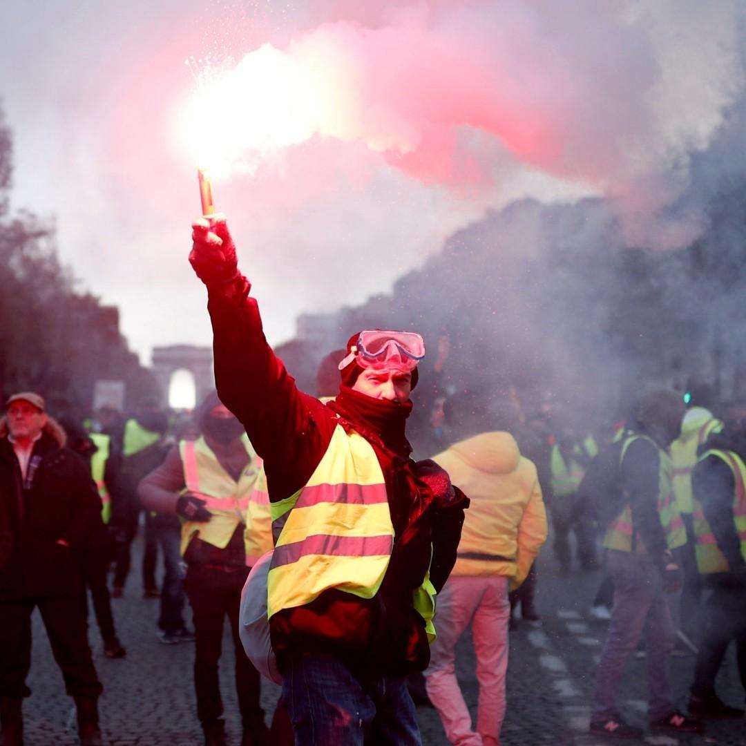 Com medo de protestos, Egito suspende a venda de coletes amarelos no país