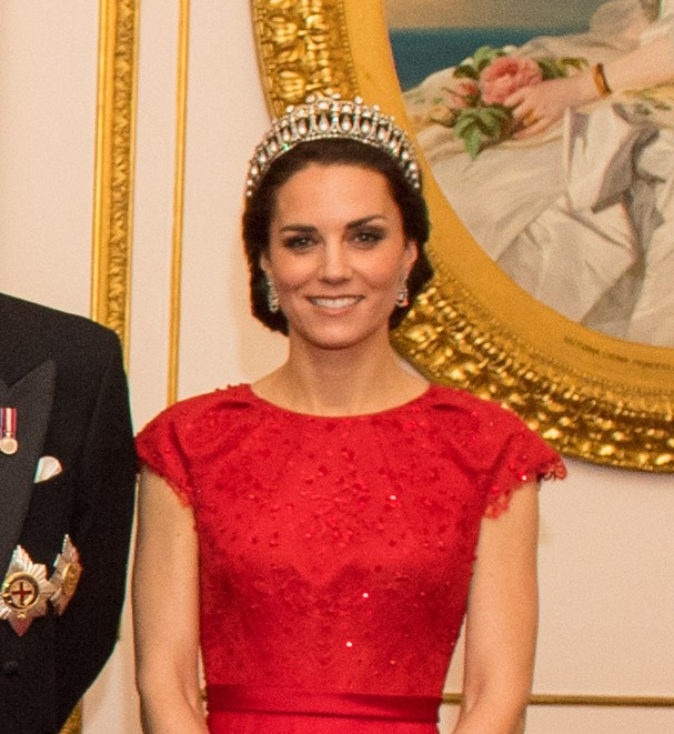 Kate Middleton usa tiara que pertencia à princesa Diana (Foto: Dominic Lipinski-WPA Pool/Getty Images)