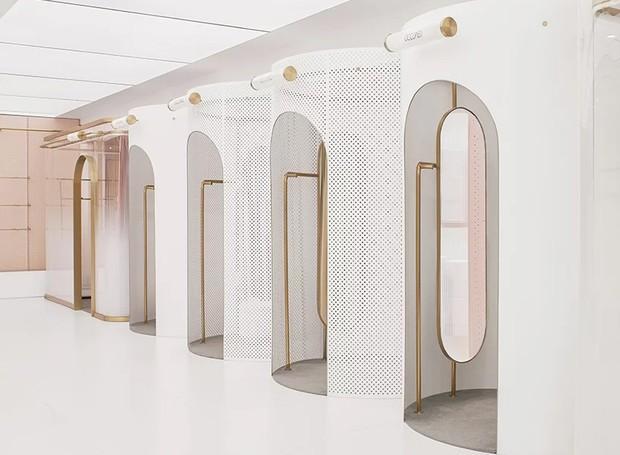 Os provadores se parecem com cabines de viagem ao futuro (Foto: Daylab Studio/ Reprodução)