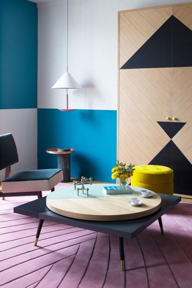 Décor do dia: sala de estar parisiense com toque lúdico (Foto: Divulgação/Reprodução)