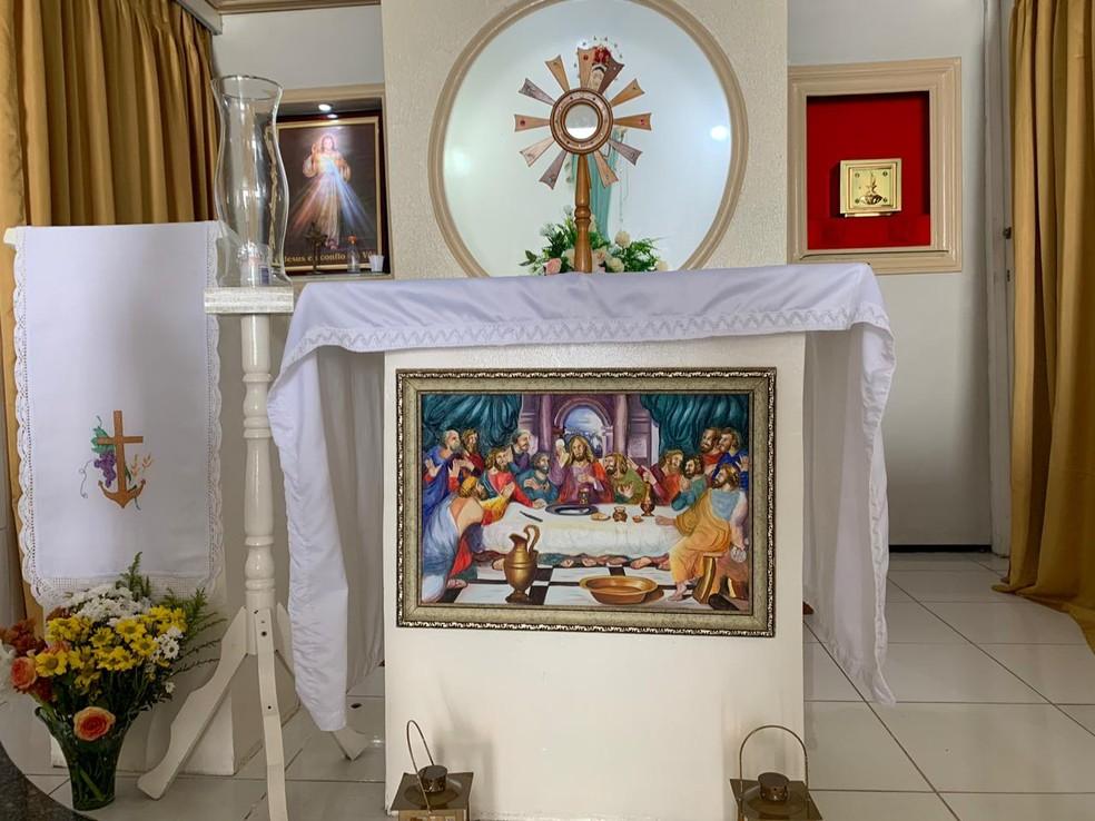 Ladrão arrependido devolve quadro furtado de capela no interior do Ceará  — Foto: Edson Freitas/TV Verdes Mares