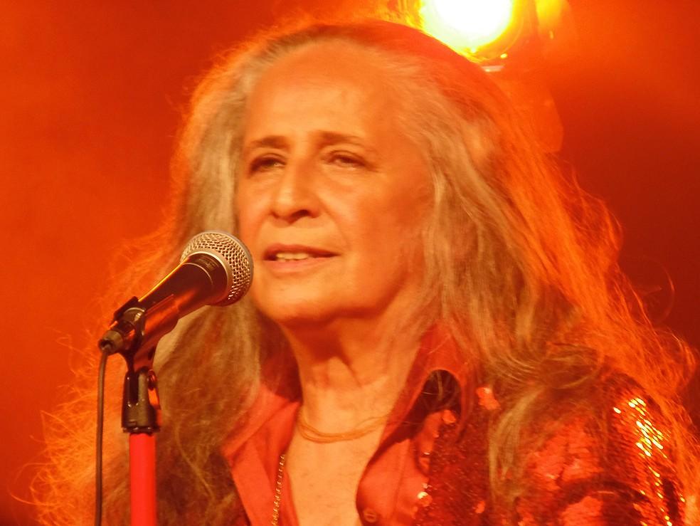 Maria Bethânia canta música inédita de Adriana Calcanhotto no show 'Claros breus' — Foto: Mauro Ferreira / G1